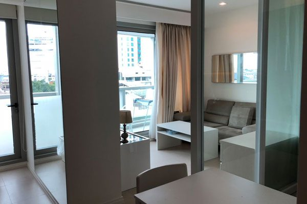 The-River-studio-for-rent-0319-feat